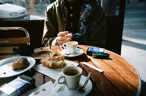 boy-breakfast-cigarette-coffee-film-morning-Favim.com-42569