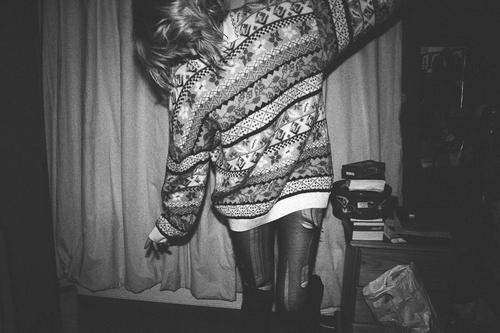 clothes-cool-dancing-girl-happy-Favim.com-423035