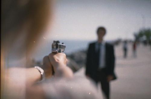 couple-gun-revenge-Favim.com-192027