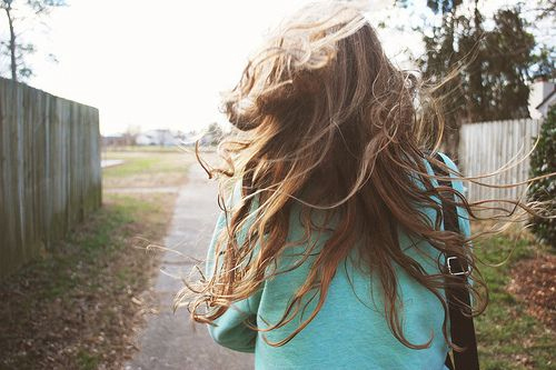 fall-girl-hair-leaves-pretty-wind-favim-com-58382_large
