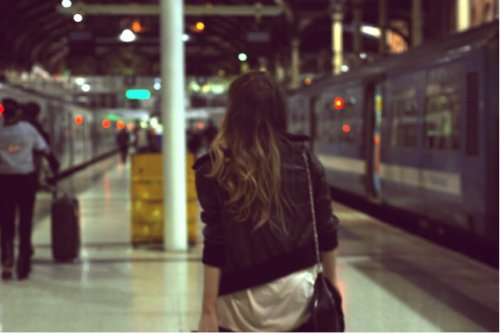girl-station-train-Favim.com-520928