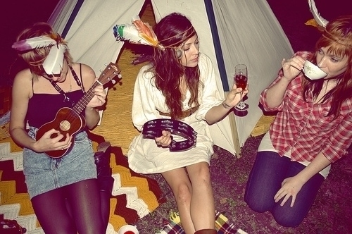 girls-hippie-hot-music-photography-Favim.com-115127