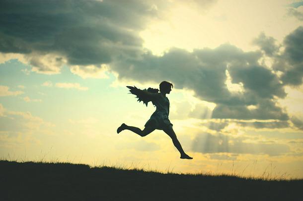 Favim.com-beautiful-cloud-fly-girl-jump-244037
