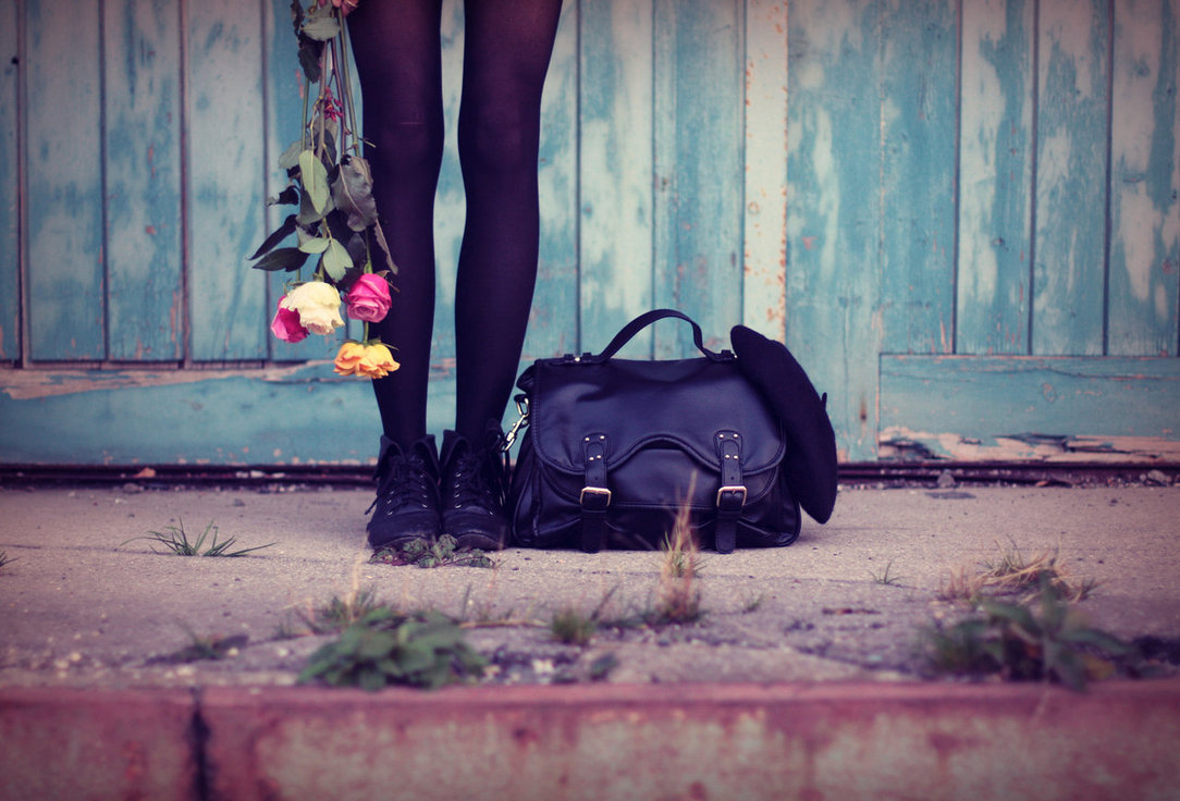 bag-flowers-girl-roses-shoes-Favim.com-61622
