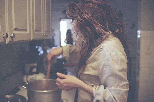 cook-cooking-girl-hair-Favim.com-212868