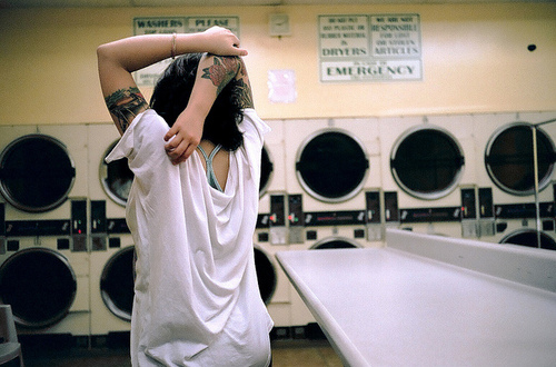 girl-laundry-photography-tats-tattoos-Favim.com-66765