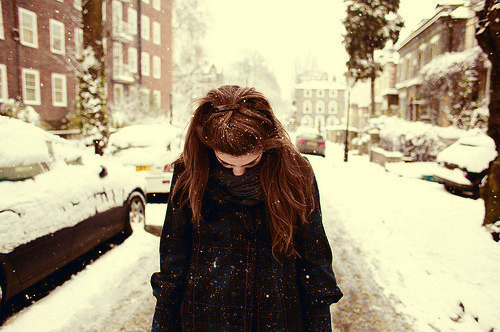 tumblr_static_beautiful-girl-hair-snow-winter-favim.com-104221_large