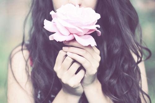 tumblr_static_flower-girl-hair-hands-pink-rose-rose-favim.com-54614