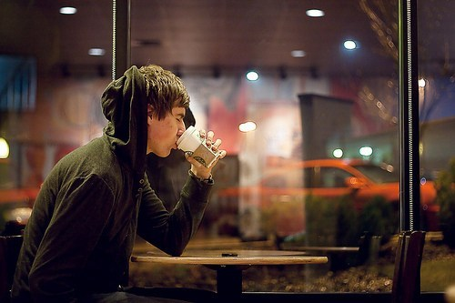 alone-boy-cofee-drinking-lights-Favim.com-157345