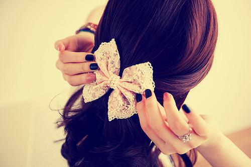 bow-girl-lace-Favim.com-304638