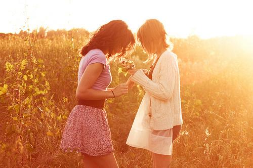 couple-cute-flower-friends-gay-lesbian-Favim.com-63052