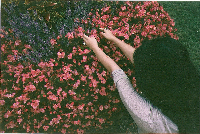 art-black-hair-film-flowers-girl-Favim.com-261025