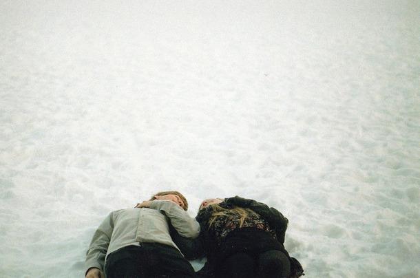 Favim.com-boy-couple-girl-love-snow-443105
