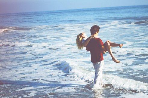 beach-couple-cute-girk-guy-Favim.com-177654