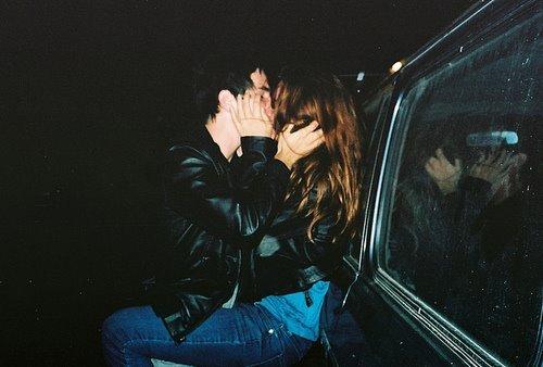 couple-fashion-kiss-love-sexy-Favim.com-364212