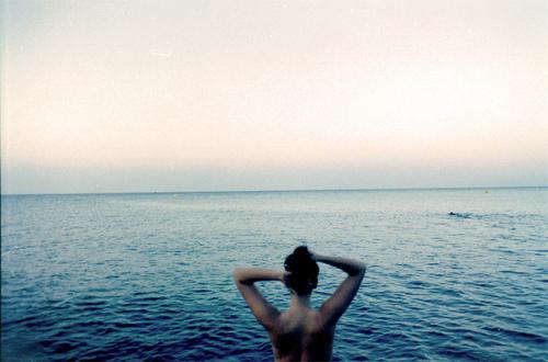 girl-photography-water-favim-com-218712